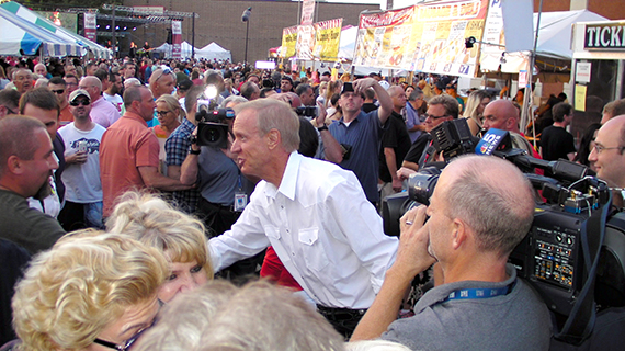 Governor & Mrs. Bruce Rauner enjoy the Taste of Polonia Festival 2016